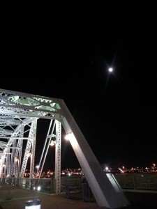 FBC06_MoonoverShelbyBridge